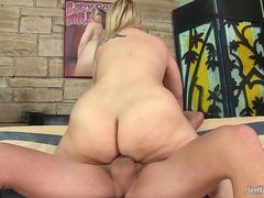 Hot blonde BBW Sinful Samia anal