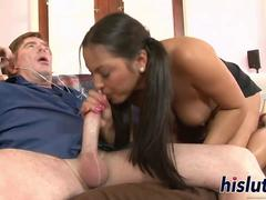 Young hussy has her tight pussy pumped