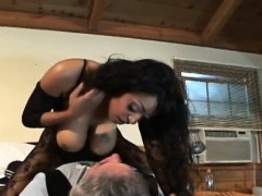 Kinky sweethearts like butt worship