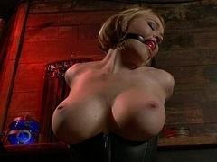 Bondage domination sadisme masochisme, Gros seins, Blonde, Domination, Humiliation, Mère que j'aimerais baiser, Attachée, Nénés