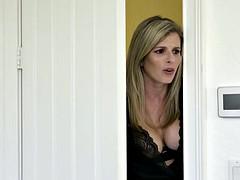 Blonde, Tir de sperme, Hard, Embrassement, Lingerie, Mère que j'aimerais baiser, Piercing, Plan cul à trois