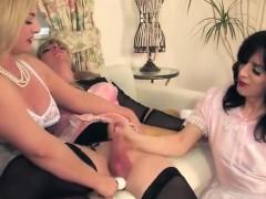 2 sissy play