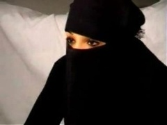 Black Burqa Muslim Broad Nadia gives head on Sizeable West European Republican French Penis.