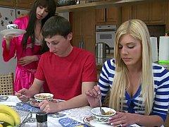 Braunhaarige, Paar, Süss, Tochter, Milf, Lehrer, Jungendliche (18+), Ehefrau
