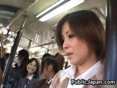 アジア人, 公共