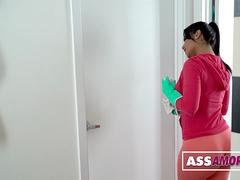 Rose Monroe Big Booty Colombian Maid