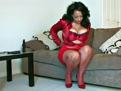 mommy in red
