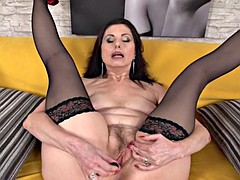 Horny Housewife Presents Her Wet Vagina