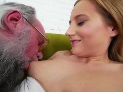 Blonde, Masturbation