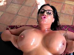 Huge butt Milf gets oiled massge on mothers day