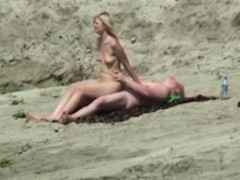 spycam amateur fuck in the beach     by oopscams