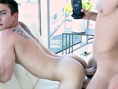 gaycastings pretty twink wants to suck money on cam