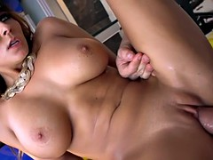 Madison Ivy giving extra efforts on her much awaited orgasms