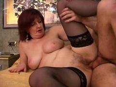 hot backdoor mom