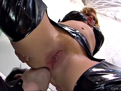 krissy lynn is a a strict mistress with passion for wild facesitting