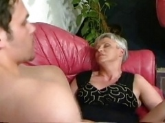 HOT MOM n131 gerdude aged with a less experienced dude