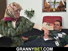 お婆さん, ギリシア人