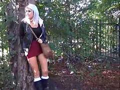 Blonde amateur babe Lissas public flashing