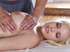Gros seins, Tir de sperme, Doigter, Hard, Massage, Huilée, Chevaucher, Nénés