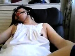 Amateur asian hottie striptease posing solo video