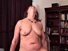 mature mom brook playing with her shaved vagina on hd camera