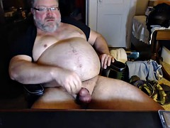 Papa bear jacks off