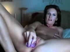 Beauty amateur mature milf masturbating on webcam