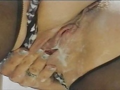 Champion Creamy Squirt Actions