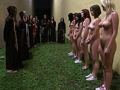 Amateur, Brunette brune, Lesbienne, Fête, Réalité, Maigrichonne, Se déshabiller, Adolescente