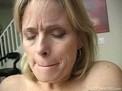 Aged amateur has an orgasm