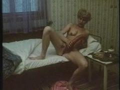 granny makes love a large sausage,hot retro movie