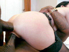 Lovely Veronica Avluv squirts multiple times during interracial dp