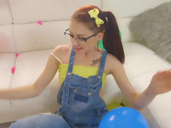 Nerd Kandi Quinn blowing & bouncing on cock for a shot on her glasses