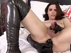 Leather loving trap wanking while toying