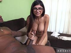 Big ass arab Mia Khalifa Tries A Big Black Dick